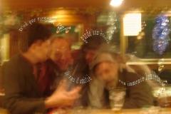 SoiréŽe emtre amis àˆ la CléŽmence, au Bourg-de-Four, ˆ Genève. (Christophe Oberson, Renaldo Gregori, Marcelino Camacho et Robert fred. Photo: Rudi le barman) Poème àˆ l'amitiŽé.